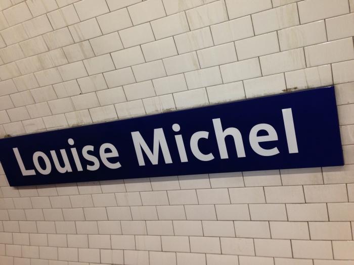 Station de métro Louise Michel, la seule avec un nom féminin (photo : Simon Buisson)